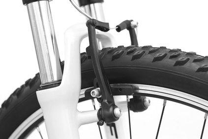 Service, klein:V-Brake  Schaltung und Bremsen einstellen, Luftdruck prüfen. inkl. Probefahrt AW